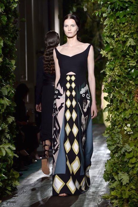 Valentino Haute Couture 2014 Sonbahar Koleksiyonu 1 valentino haute 1