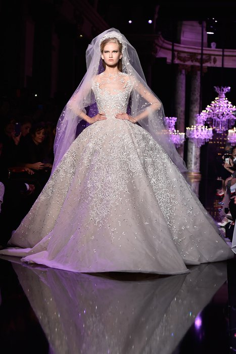 Paris Moda Haftası'nın en güzel gelinlikleri Elie Saab gelinlik 1