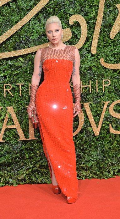 2015 İngiliz Moda Ödülleri kazananları Lady Gaga