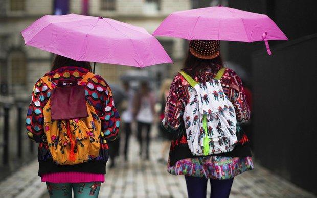 Londra Moda Haftası'nda gözümüze takılan sokak stilleri 2014 ilkbahar yaz 2