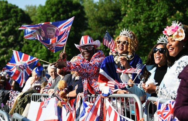 İngilizlerin Kraliyet düğünü coşkusu