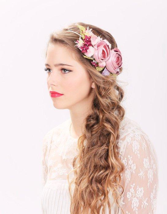 Gelin saçında çiçek modelleri gelin cicek sac 2